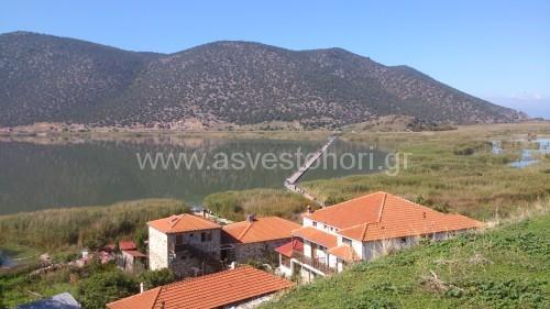 Εντυπωσιακή είναι η θέα από το λόφο του Άγιου Αχίλλειου, την οποία απόλαυσαν οι εκδρομείς
