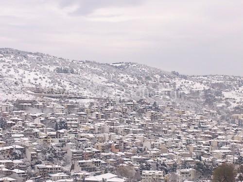 Μερική άποψη του χιονισμένου σήμερα Ασβεστοχωρίου