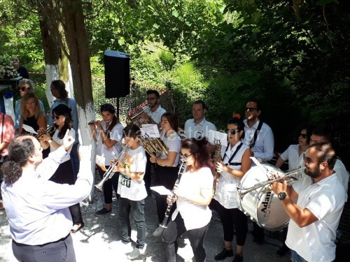 Η μπάντα του Δήμου Πυλαίας - Χορτιάτη κατά την ανάκρουση του εθνικού μας ύμνου